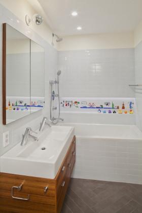 现代风格时尚白色卫生间设计