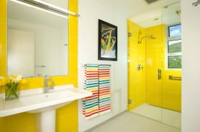 炫酷黄色现代风格卫生间设计案例