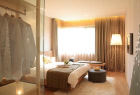 简约风格米色卧室窗帘装潢案例