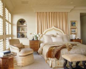 米色雅致欧式卧室装修图片