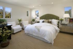 清爽白色简欧风格卧室装饰图