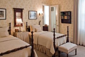 米色雅致欧式风格卧室效果图赏析