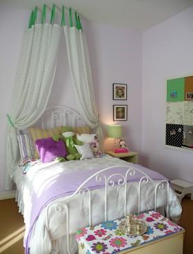 多彩创意混搭女生卧室装饰案例