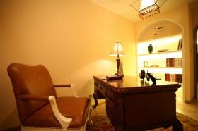 简欧风格温馨黄色书房装修设计