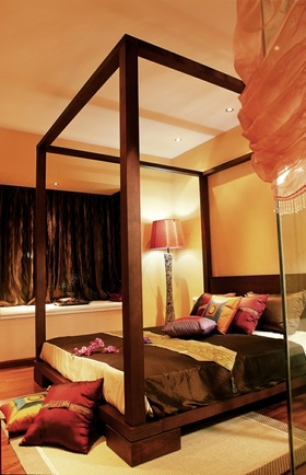 中式风格温馨橙色卧室装饰案例