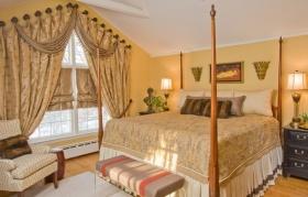 浪漫米色欧式风格卧室窗帘图片欣赏
