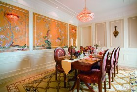 美式橙色餐厅吊顶装修布置