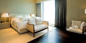 简约温馨时尚黄色卧室装修图片