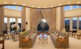 简欧米色大气客厅窗帘设计图
