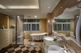 欧式风格黄色卫生间隔断装饰案例