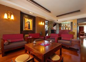中式风格红色客厅设计装潢图