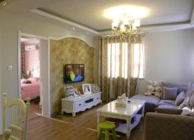 米色欧式客厅背景墙设计