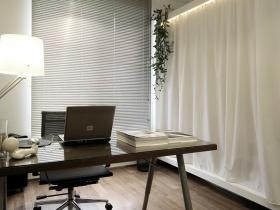 白色现代风格书房窗帘装饰图