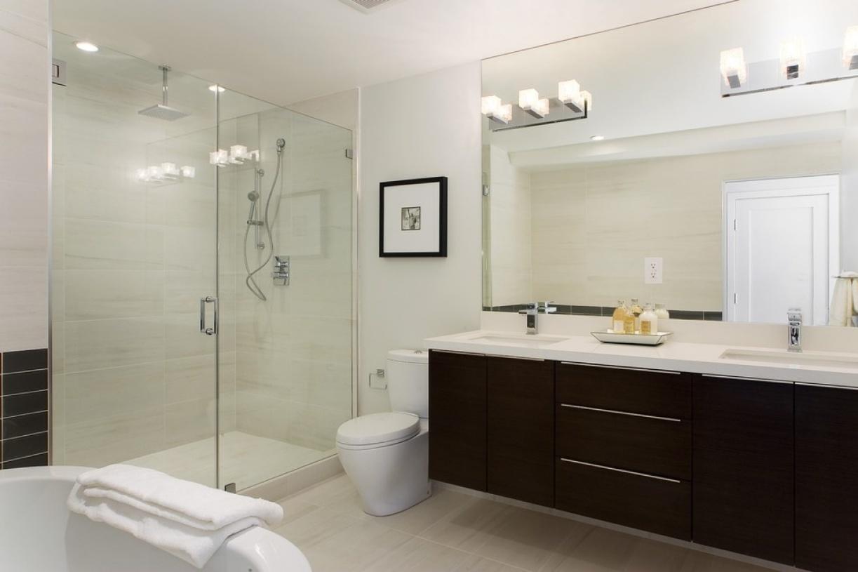 欧式白色卫生间图片欣赏