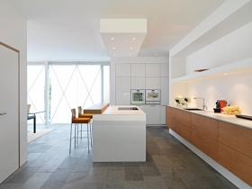 白色简约厨房装潢图片赏析
