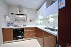 现代时尚褐色厨房橱柜装修