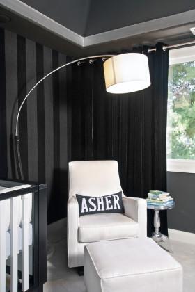 简洁欧式风格黑色窗帘设计赏析