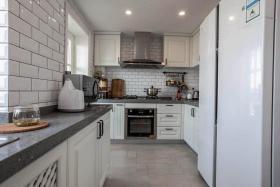 时尚白色现代风格厨房设计