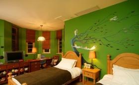 混搭梦幻绿色卧室背景图片欣赏