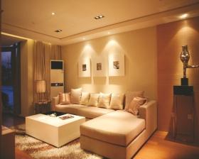 现代风格橙色客厅装修图片