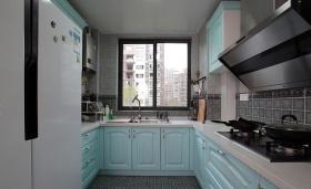 极简蓝色厨房装潢案例