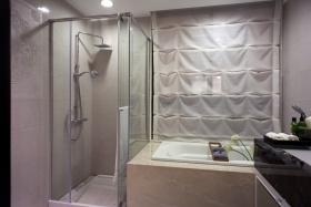简约风格灰色卫生间推拉门装修设计图