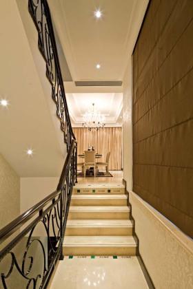 简约黄色楼梯装修图片