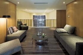极简时尚黄色客厅设计图片