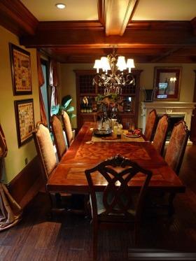 新古典风格褐色餐厅图片赏析