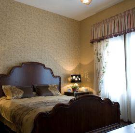 温馨米色美式卧室装饰设计图片