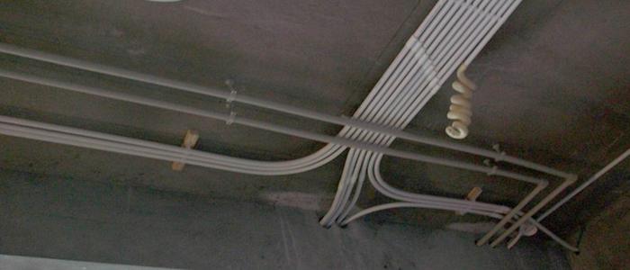 具体分析房屋情况,选择合适的水管走向