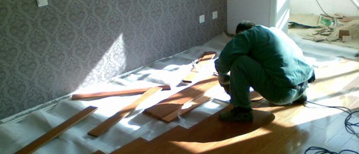 泥工和木工交叉作业