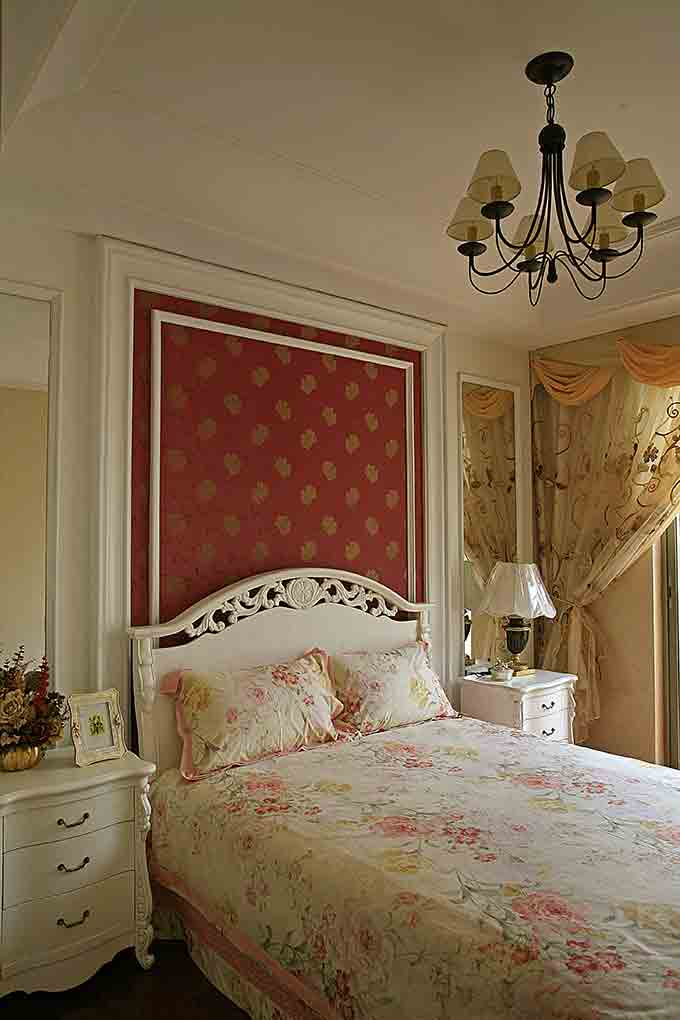 欧式复古卧室装潢设计
