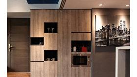 现代风格原木玄关设计