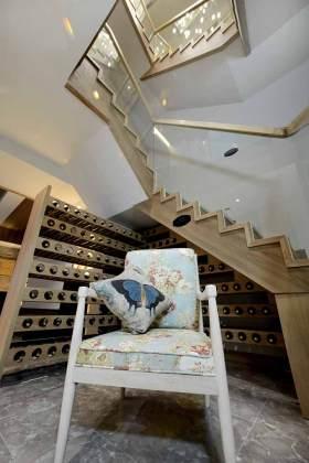 原木质感简约楼梯设计效果图