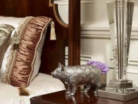 温馨美式卧室一角装修图