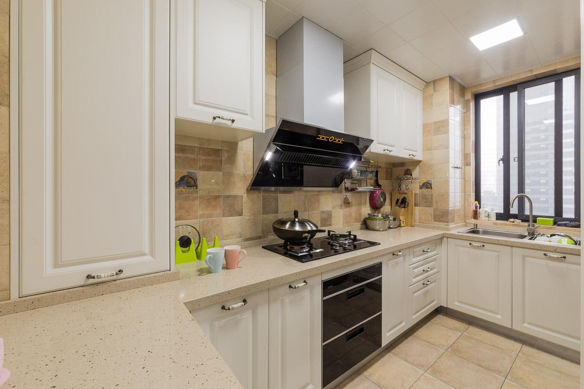 现代简欧风格厨房设计图图片