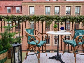 简约金属化栏杆阳台设计