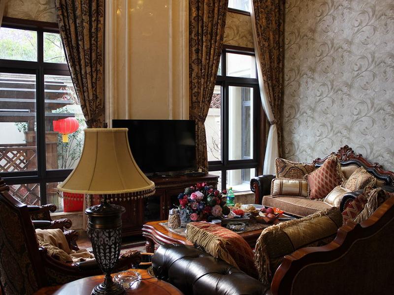 欧式风雅致客厅设计装潢-兔狗装修效果图