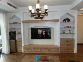 简欧时尚电视背景墙布置欣赏
