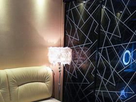 现代质感卧室局部装修效果图欣赏