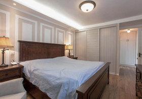 美式浅色淡雅卧室欣赏