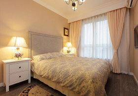 现代简约浅色卧室欣赏