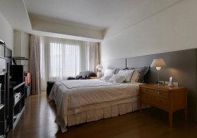 简约浅色简单卧室实景