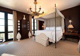 美式奢华四柱床卧室美图