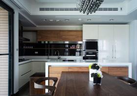 现代奢华吧台厨房设计