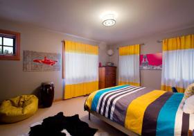 现代色彩缤纷儿童房设计
