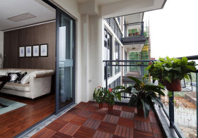 现代简单小阳台实景