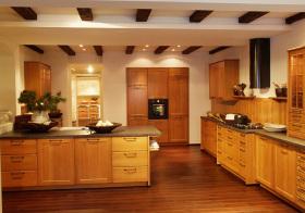 新中式岛型木质厨房欣赏