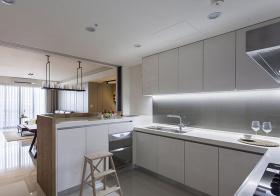 现代纯白吧台厨房欣赏
